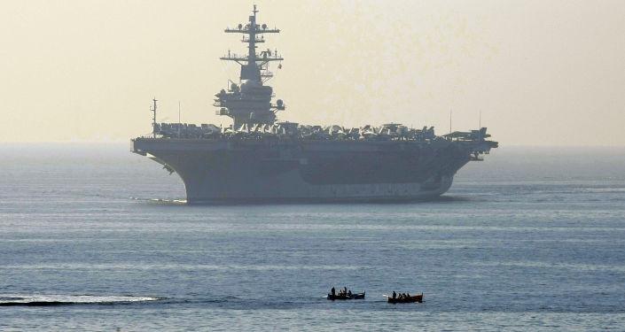Americká letadlová lod' George H. W. Bush. Ilustrační foto