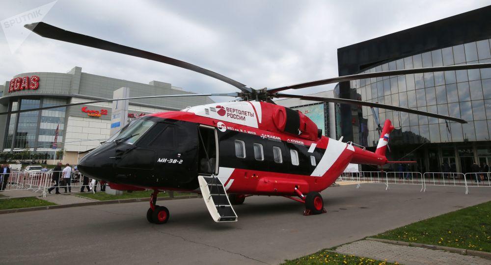 Nákladní a osobní vrtulník Mi-38-2 (OP-3)