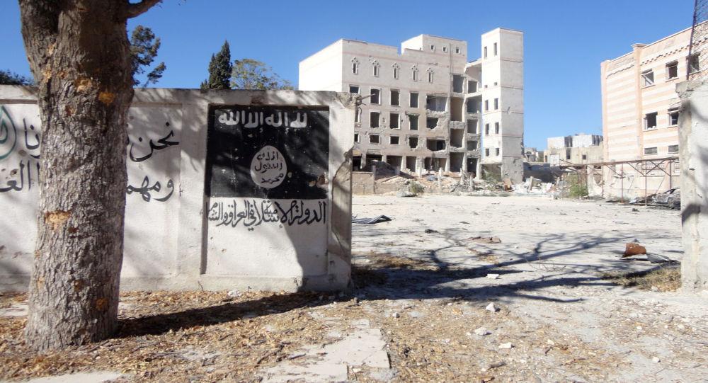 Vlajka IS v syrském Manbidže