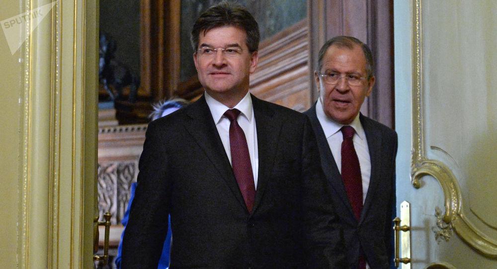 Ruský ministr zahraničních věcí Sergej Lavrov a jeho slovenský protějšek Miroslav Lajčák