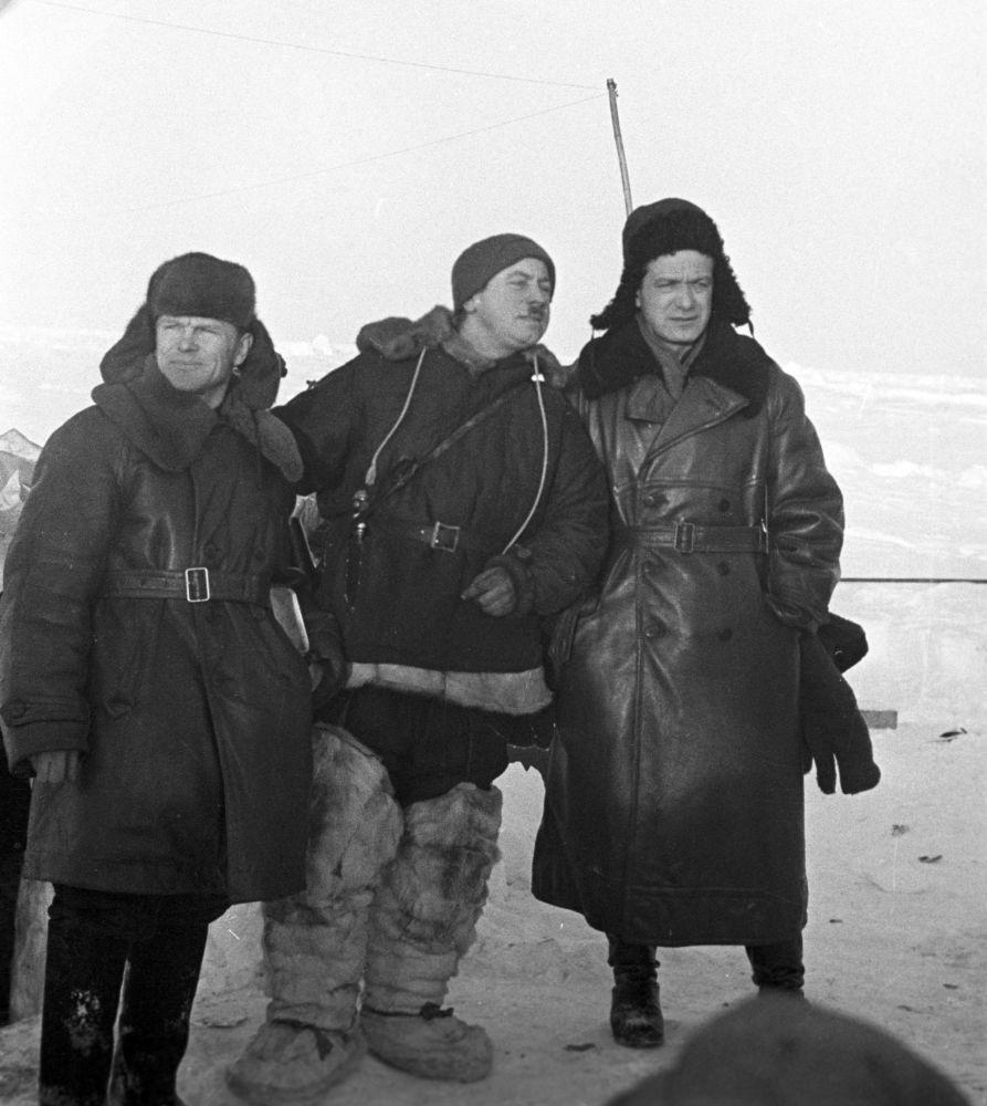 """První ledová driftující stanice na světě """"Severní pól"""""""