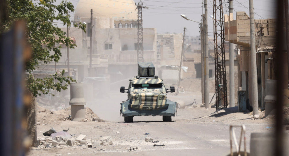 Vojenská technika Demokratických sil Sýrie v Rakce