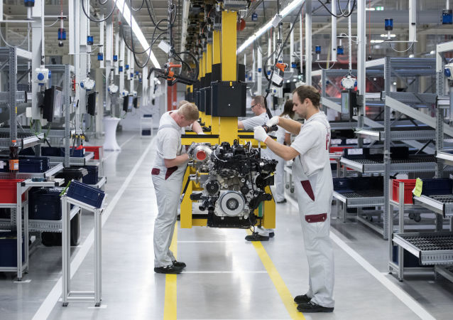 Pracovníci německého koncernu Daimler AG