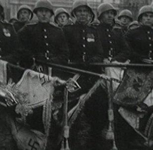 Archivní záběry: Přehlídka vítězství roku 1945