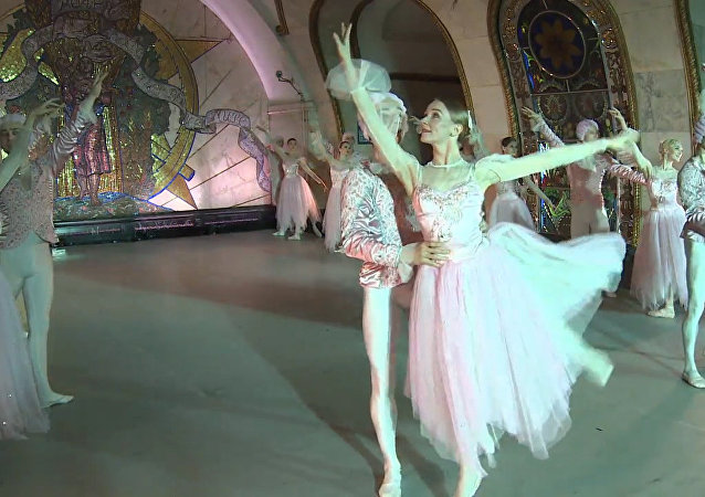 Balet v metru. Video