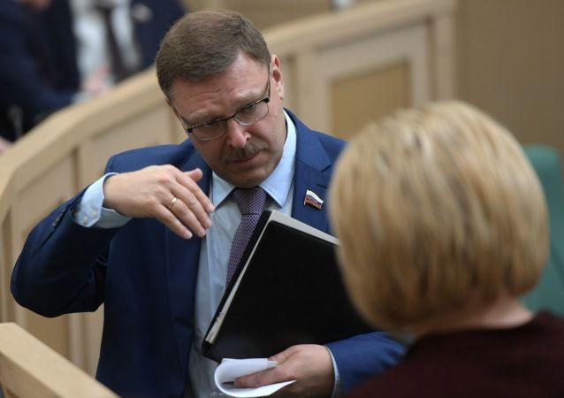 Ruský senátor Konstantin Kosačev