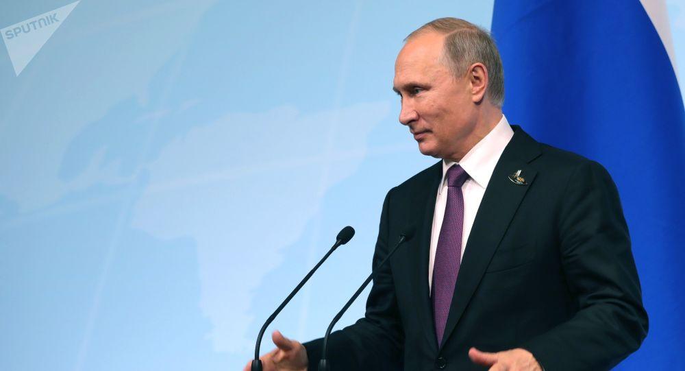 Vladimir Putin během tiskové konference
