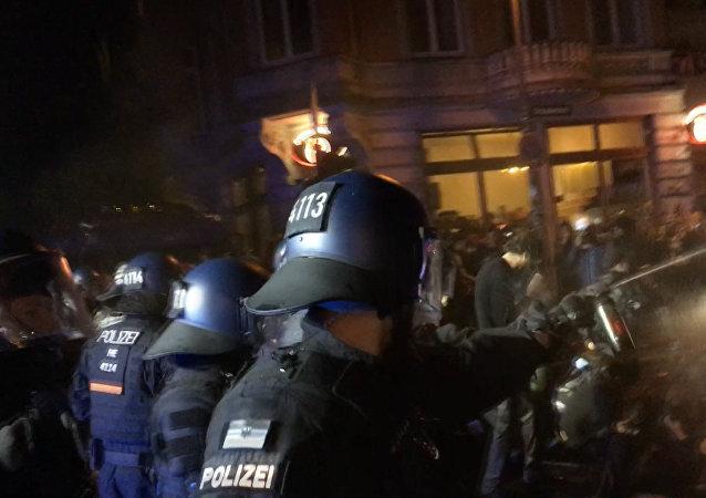 V Hamburku pokračují protesty proti summitu G20