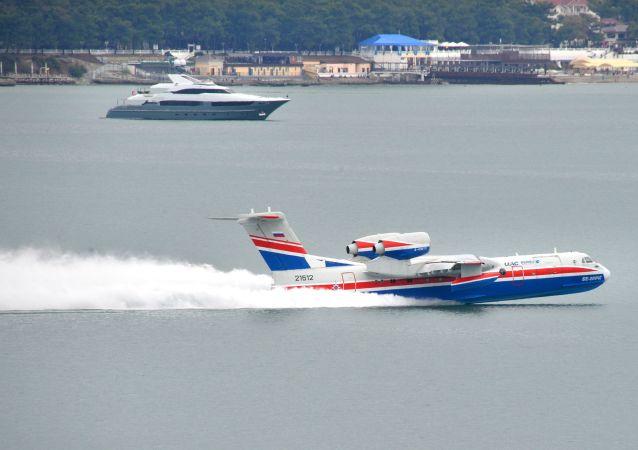 Obojživelné letadlo Be-200