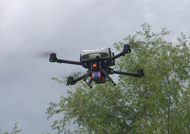 Lékařství budoucnosti: dron-defibrilátor. Video