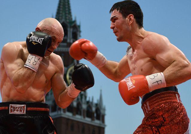 Boxeři Sergej Chomický a Stanislav Kaštanov