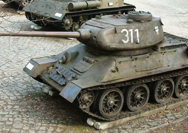 Sovětský tank Т-34-85