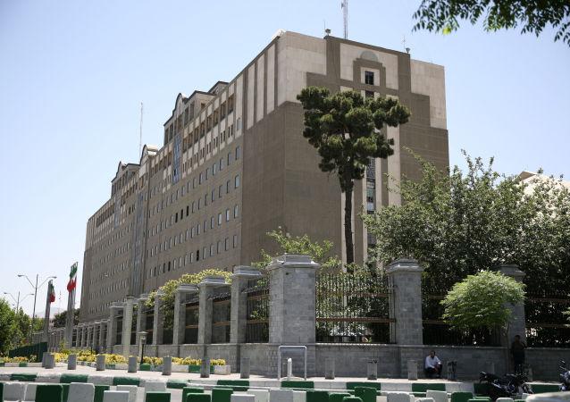 Budova iránského parlamentu v Teheránu