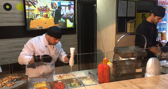 Rychlý kebab: co znamená skutečný fast food. Video