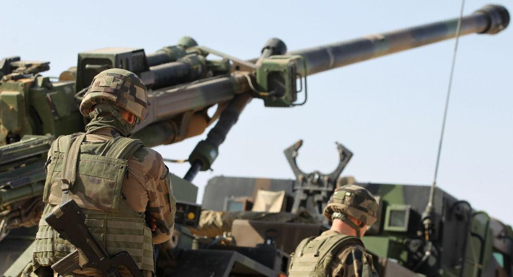 Vojáci mezinárodní koalice v Mosulu