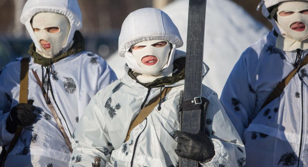 Ruští frekvantanti arktické motostřelecké divize