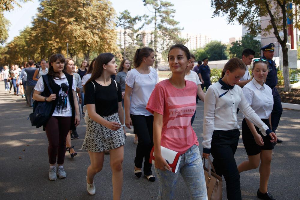 Překrásné letkyně: první nábor do Krasnodarského leteckého učiliště