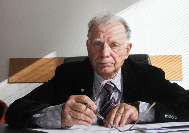 Žores Alferov
