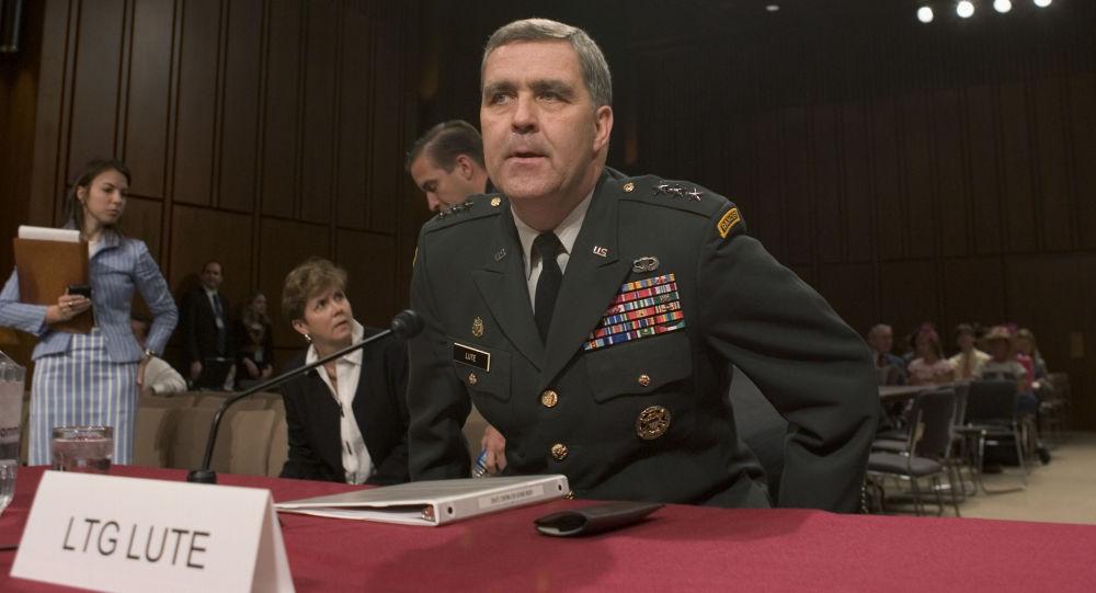 Velvyslanec USA při NATO Douglas Lute