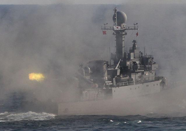 Jihokorejská vojenská lod' během cvičení