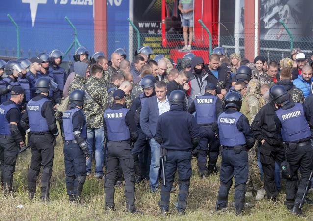 Protesty proti Michailu Saakašvilimu na ukrajinsko-polské hranici