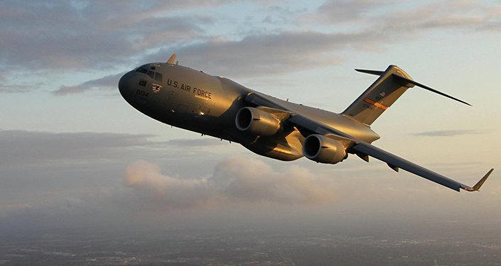 Americké vojenské dopravní letadlo C-17