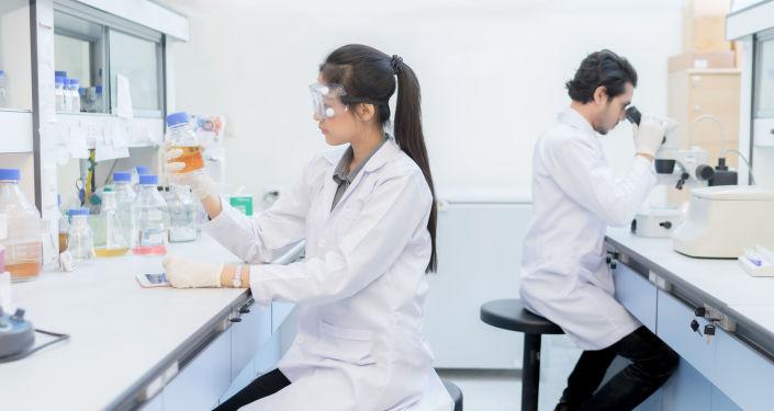 Vědci v laboratoři