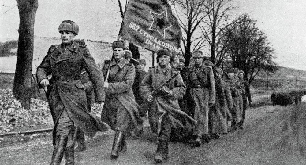 Sovětští vojáci, únor 1945