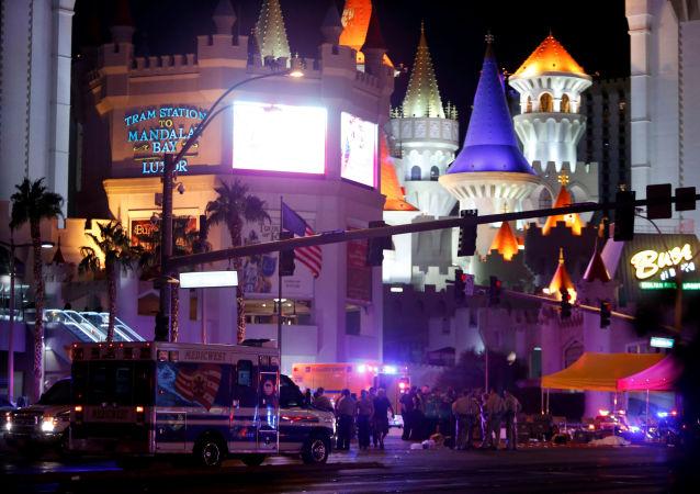 Policie na místě palby v Las Vegas