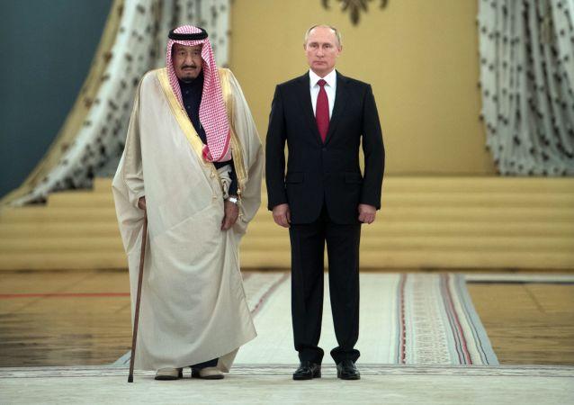 Ruský prezident Vladimir Putin a král Saudské Arábie Salmán bin Abd al-Azíz