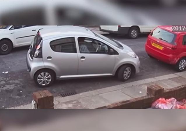 """""""Skoro odpálila auto"""": žena nezaparkovala na 9metrovém prostoru"""