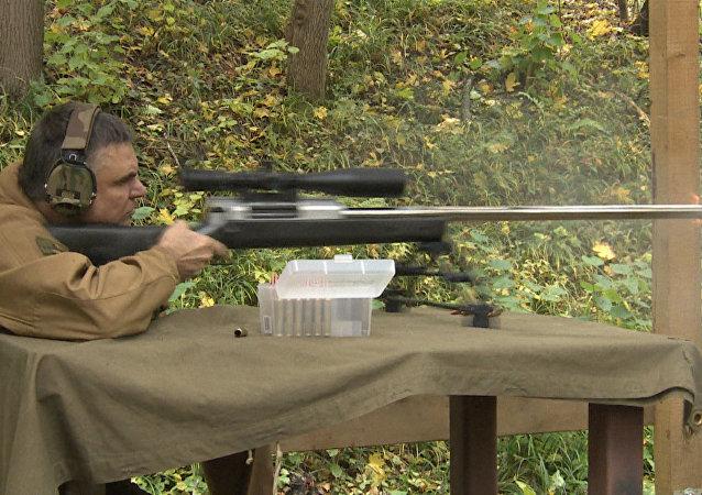 Ruští vývojáři ukázali pušku schopnou střílet na 4210 metrů