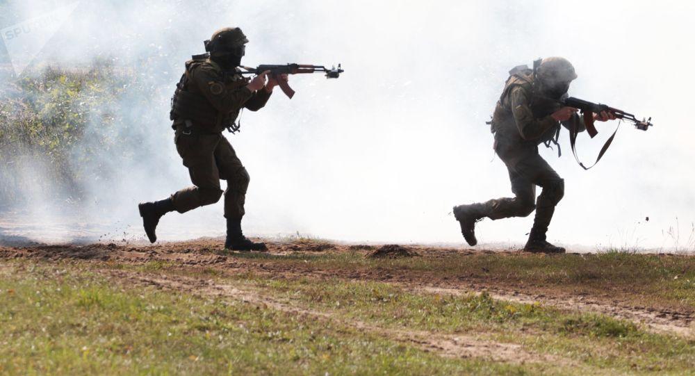 Ukrajinští vojáci během cvičení Rapid Trident-2017