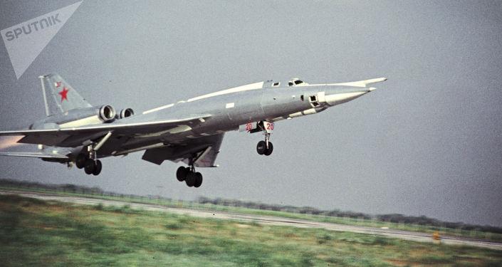 Strategický bombardér Tu-22