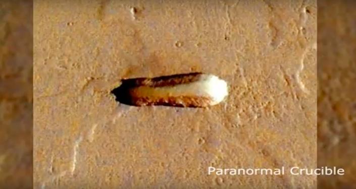 Ufologové našli na Marsu kosmickou loď. Video