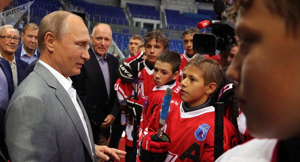 Vladimir Putin a Gordon Red Berenson