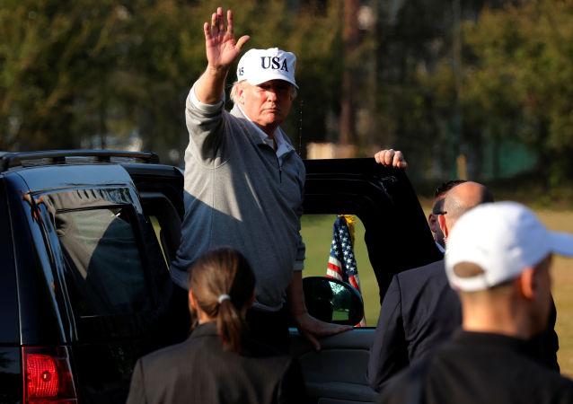 Donald Trump během návštěvy Japonska