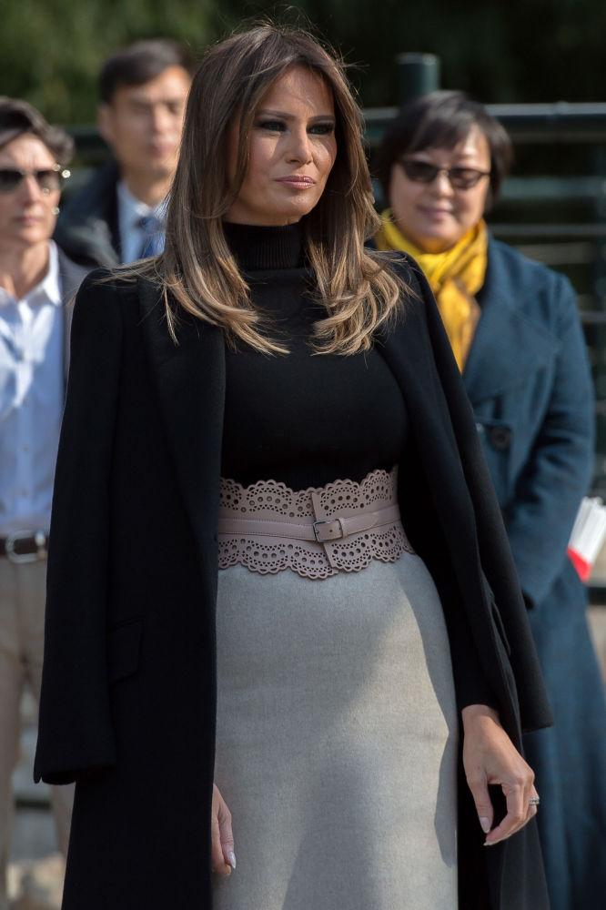 Melania Trumpová během návštěvy pekingské zoo.