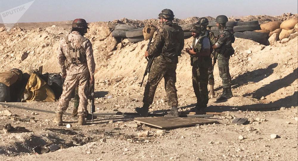 Bojovníci syrské armády. Ilustrační foto
