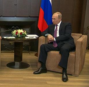Asad poděkoval Putinovi a celému ruskému národu za pomoc v Sýrii. Video