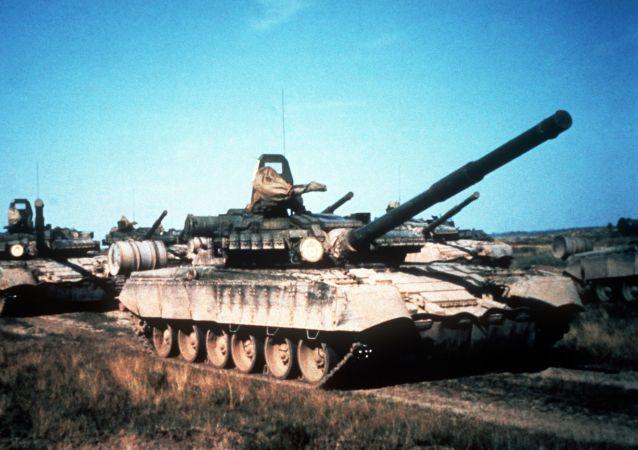 Sovětský tank T-80. Ilustrační foto