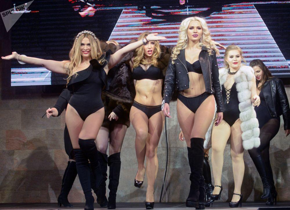 Účastnice finále soutěže Top modelka Ruska 2017 a Top modelka PLUS 2017