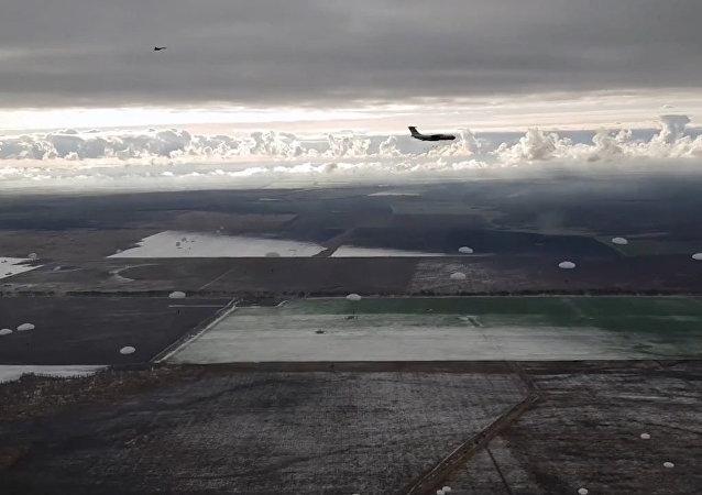 Mráz není překážkou: ruská armáda zahájila zimní sezónu