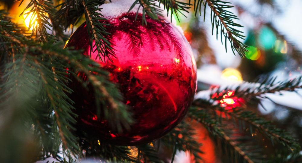 Vánoční ozdobičky na Rudém náměstí
