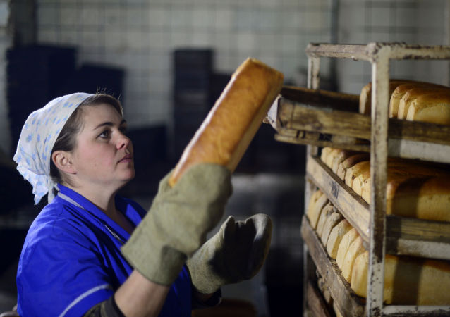 Pracovnice v pekárně. Ilustrační foto