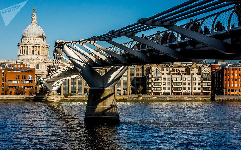 Most Millenium v Londýně