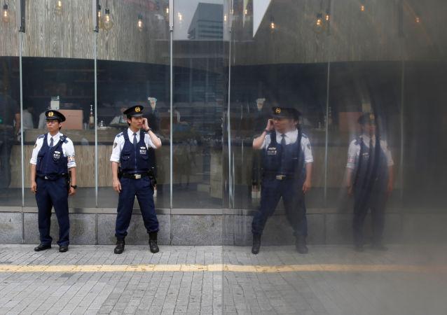 Japonští policisté v Tokiu