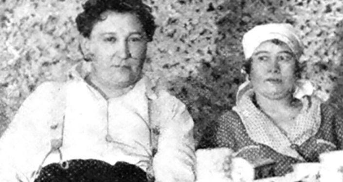 Jaroslav Hašek a Alexandra Lvova