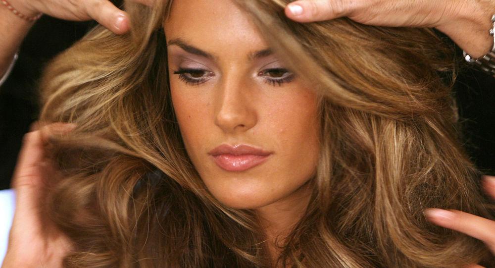 Alessandra Ambrosio před modní přehlídkou Victoria's Secret