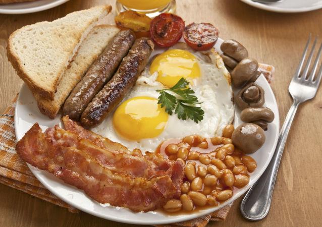 Anglická snídaně. Ilustrační foto